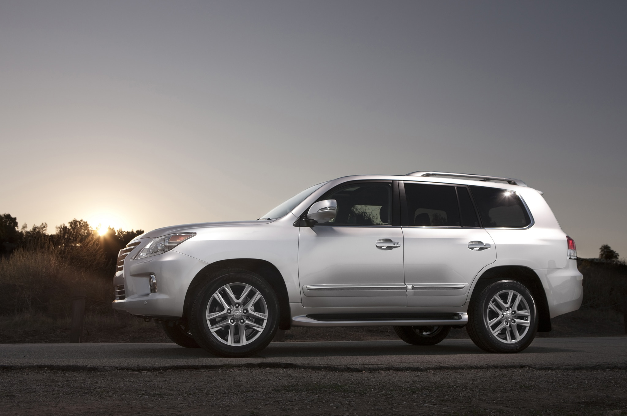 Lexus lx570 photo - 10