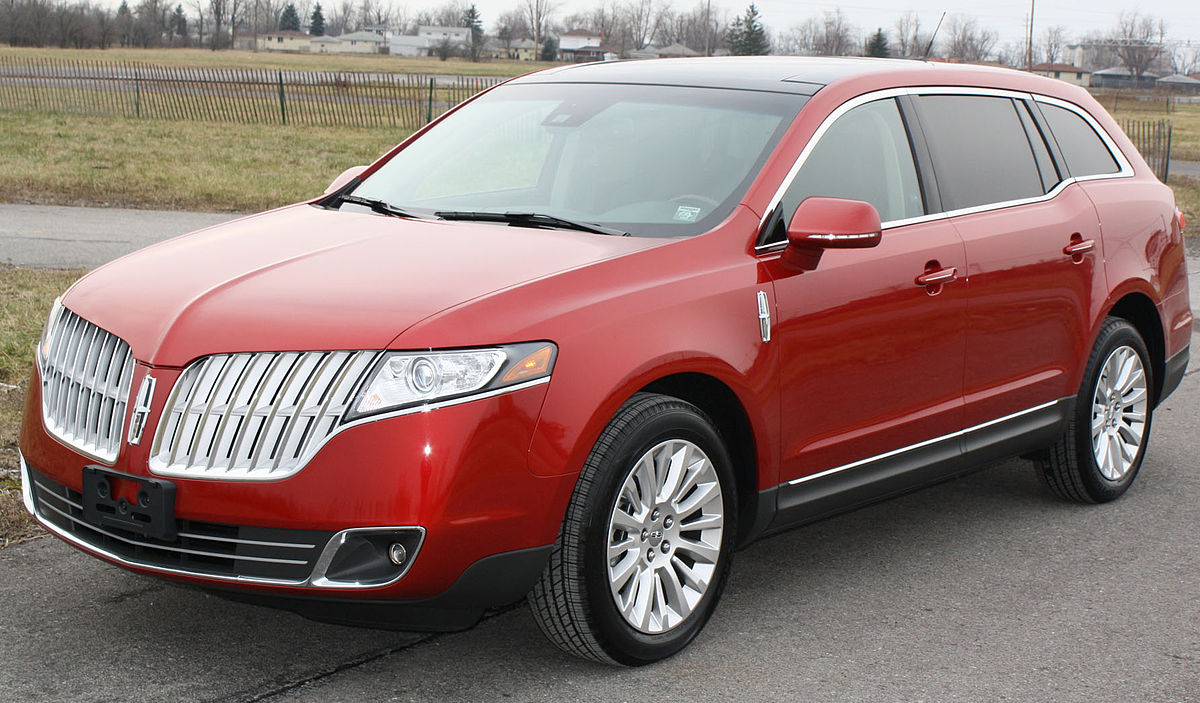 Lincoln mkt photo - 1