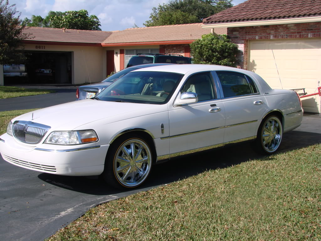 Lincoln Town Photo And Video Review Comments