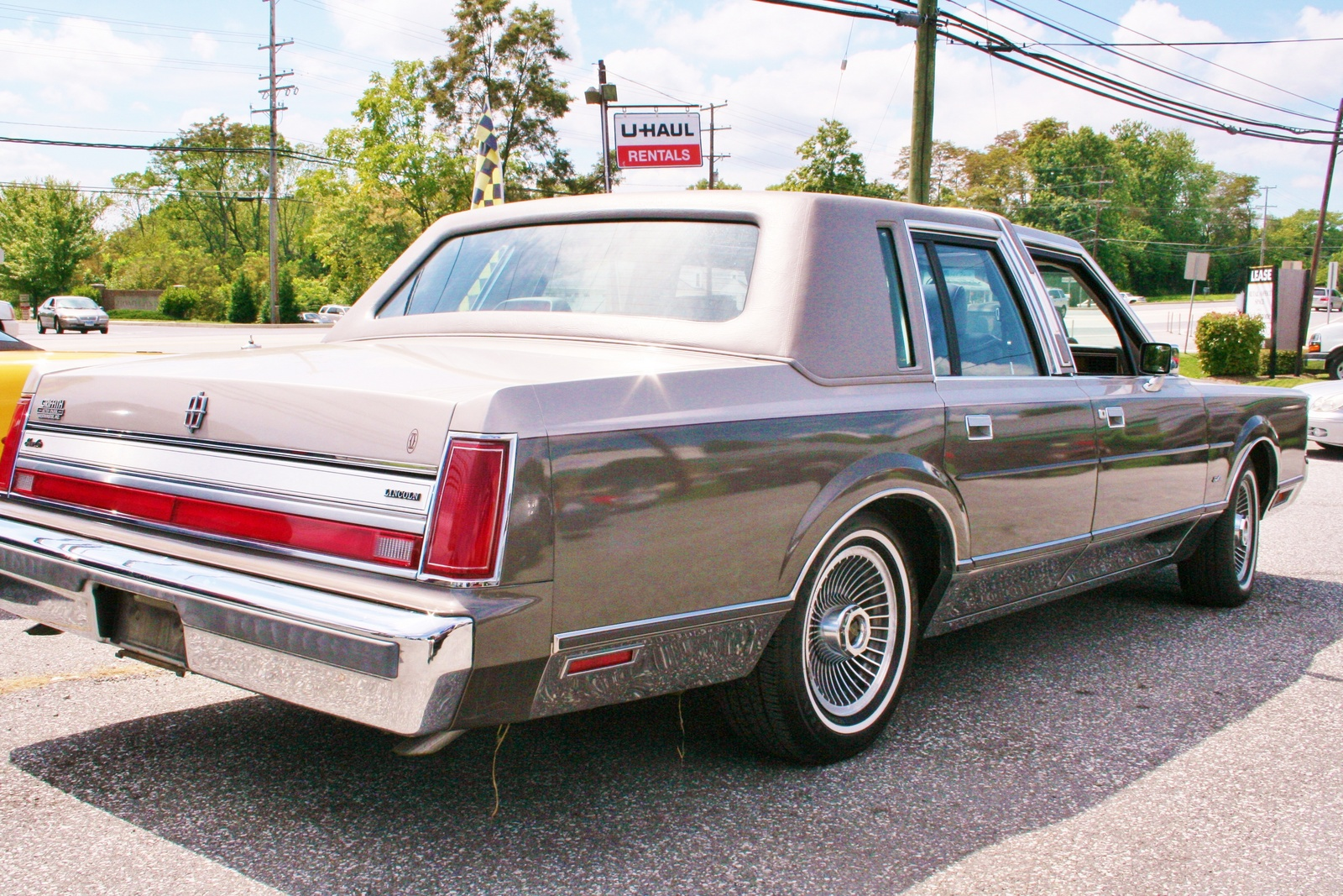 Lincoln town photo - 10