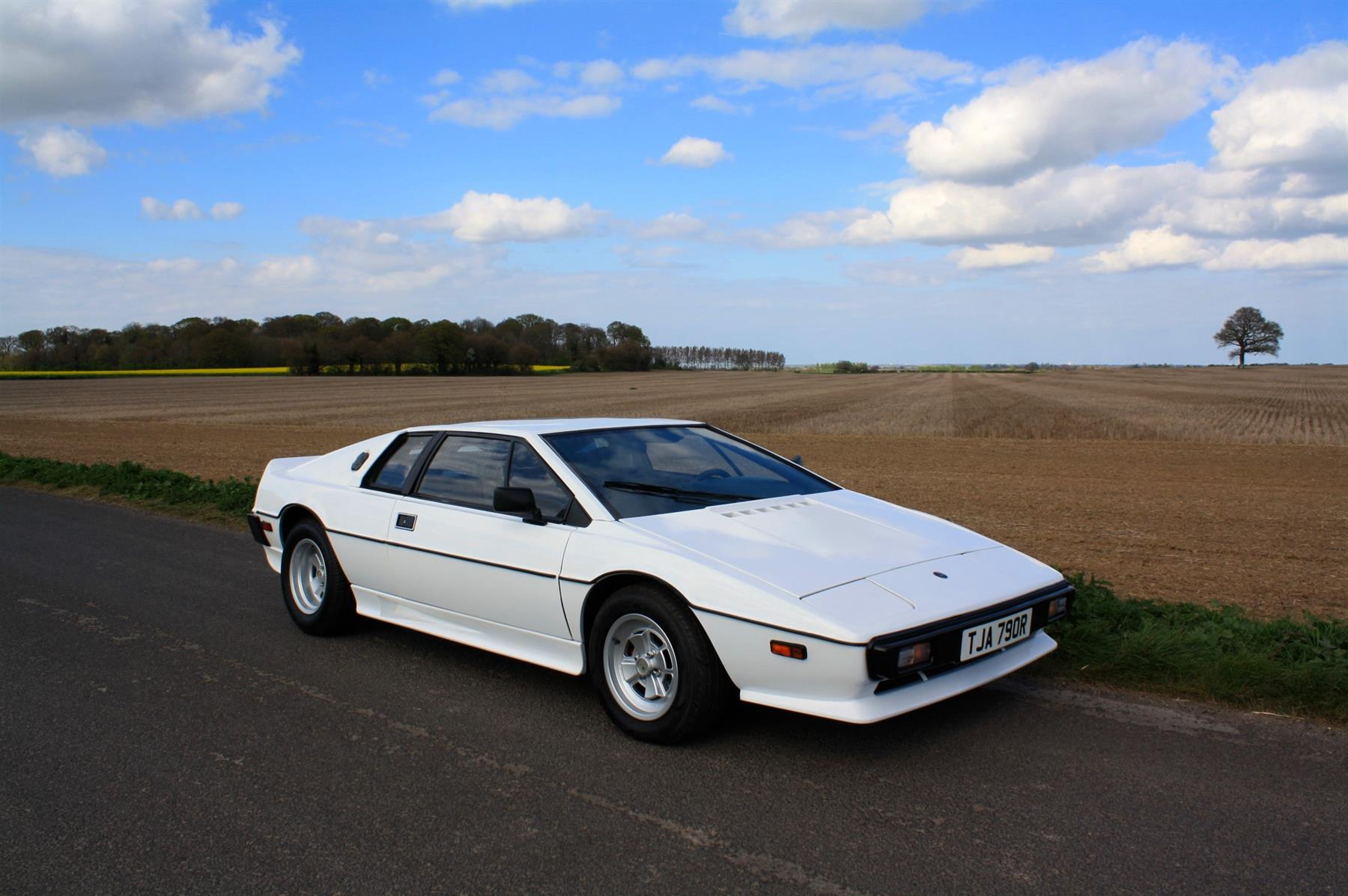 Lotus esprit photo - 2