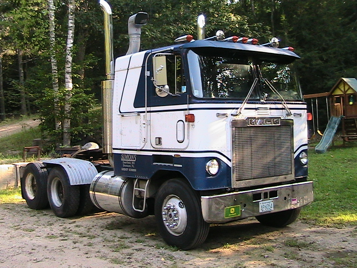 Mack cabover photo - 10