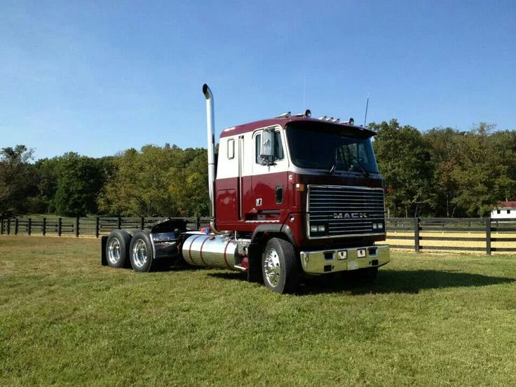 Mack cabover photo - 2
