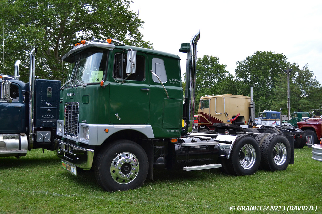 Mack cabover photo - 8