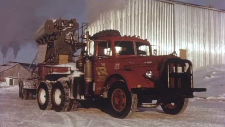 Mack l-series photo - 9