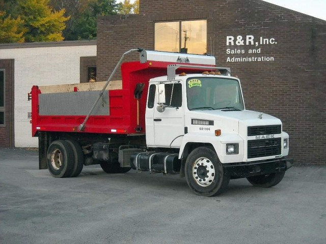 Mack midliner photo - 1