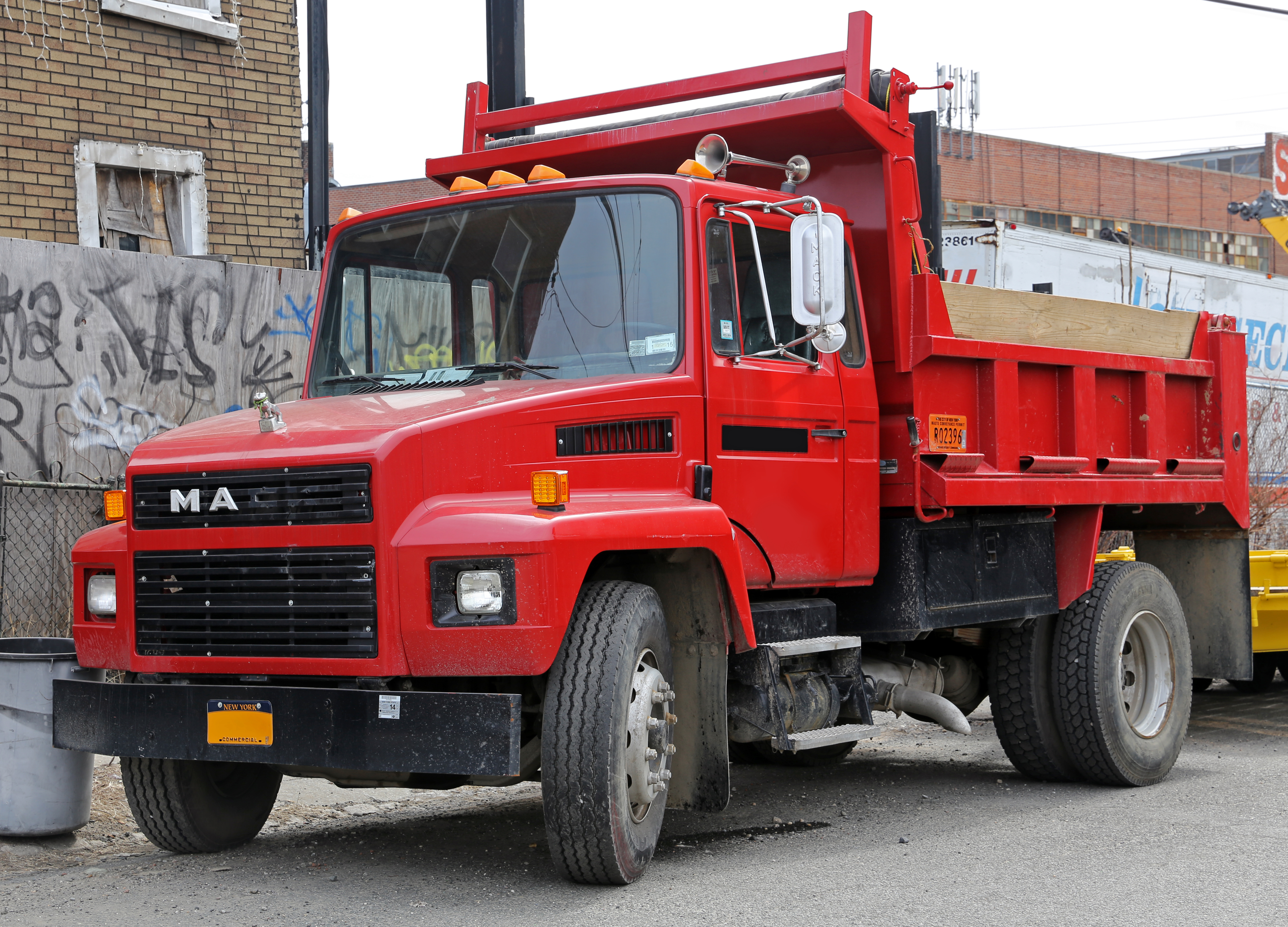 Mack midliner photo - 6