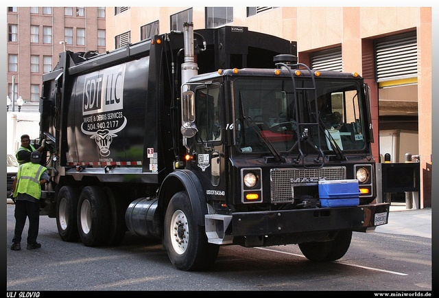 Mack mr-series photo - 1
