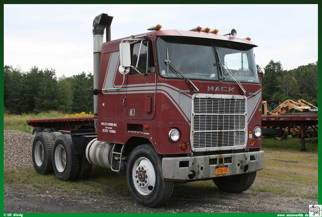 Mack mr-series photo - 2