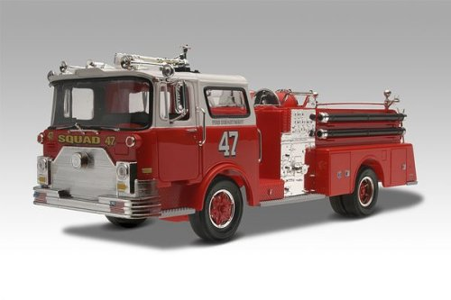 Mack pumper photo - 2