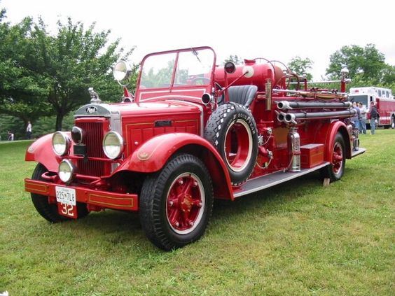 Mack pumper photo - 9