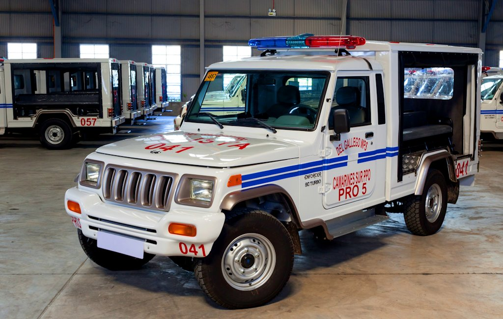 Mahindra ambulance photo - 10