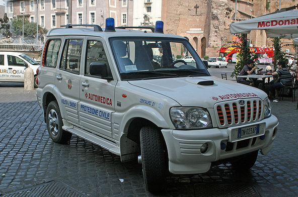 Mahindra ambulance photo - 7