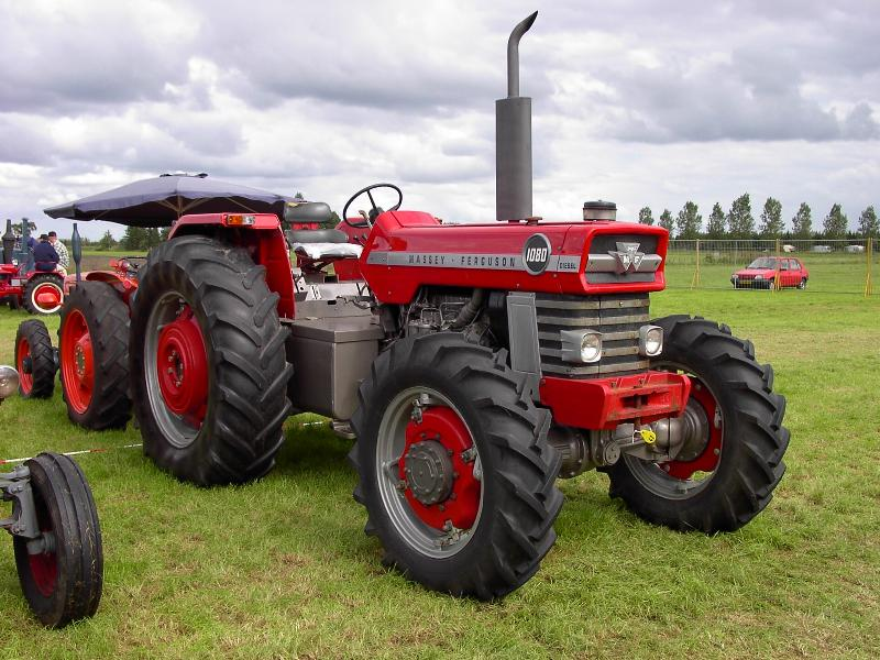 Massey ferguson 100-series photo - 4