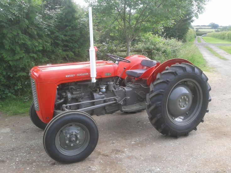 Massey ferguson 35x photo - 2