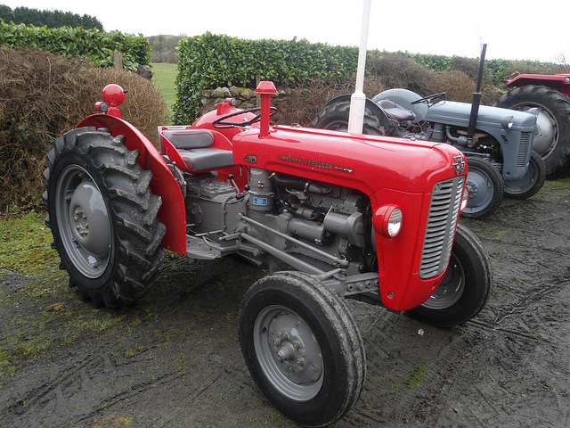 Massey ferguson 35x photo - 3