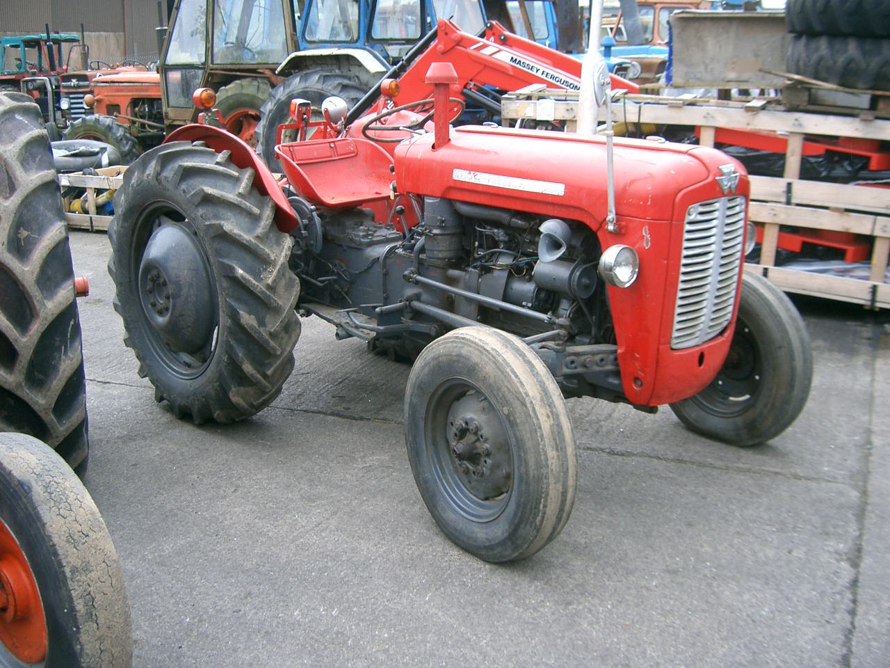 Massey ferguson 35x photo - 5
