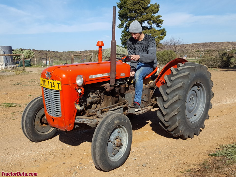 Massey ferguson 35x photo - 7