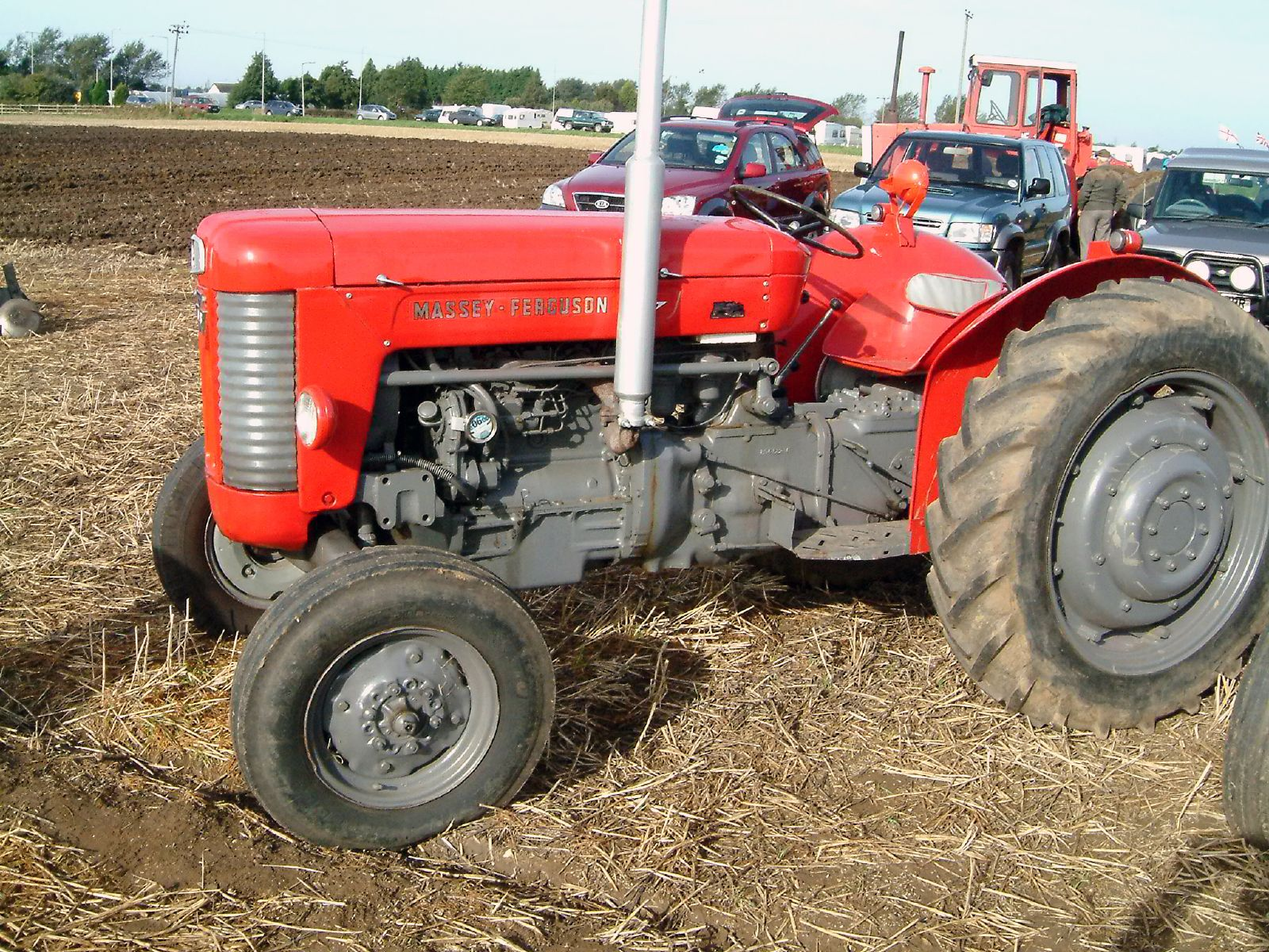 Massey ferguson 55 photo - 1