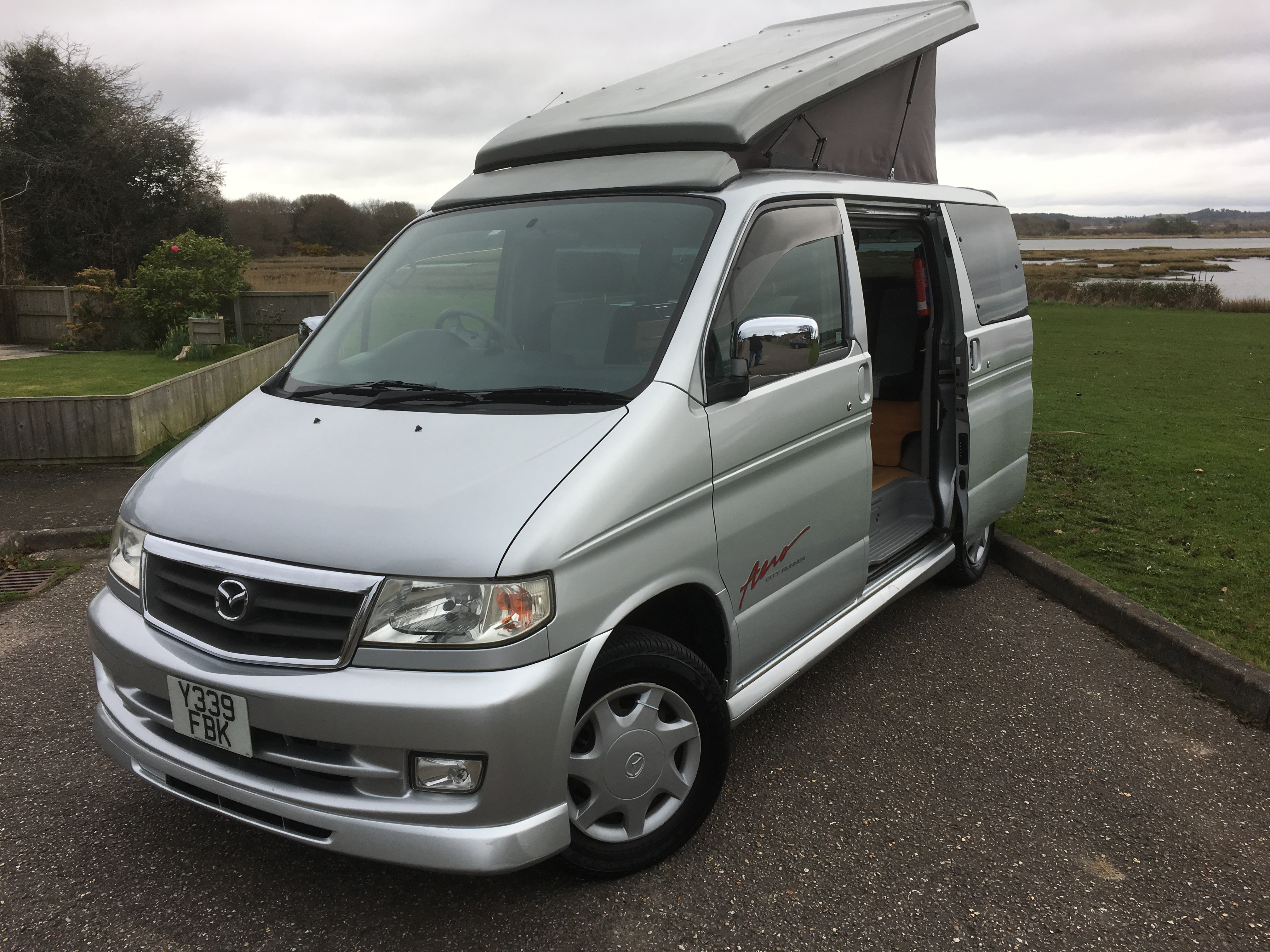Mazda bongo photo - 2