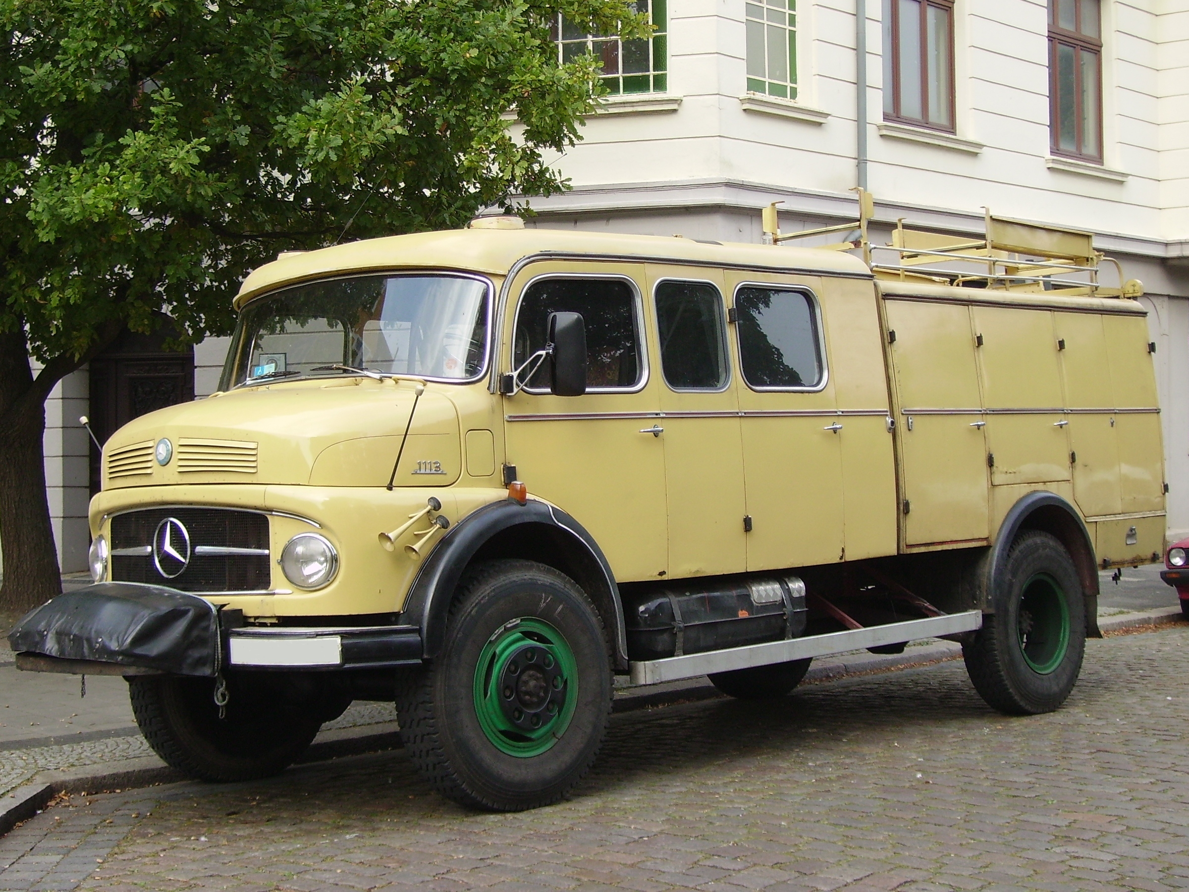 Mercedes-benz 1113 photo - 1