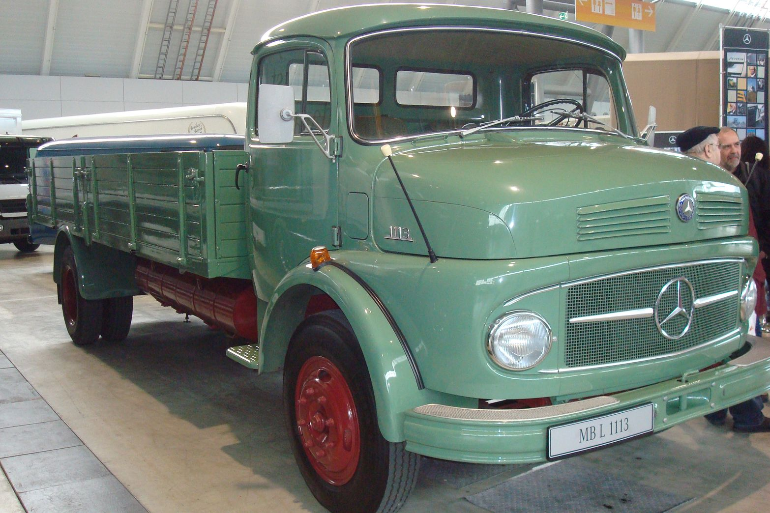 Mercedes-benz 1113 photo - 4