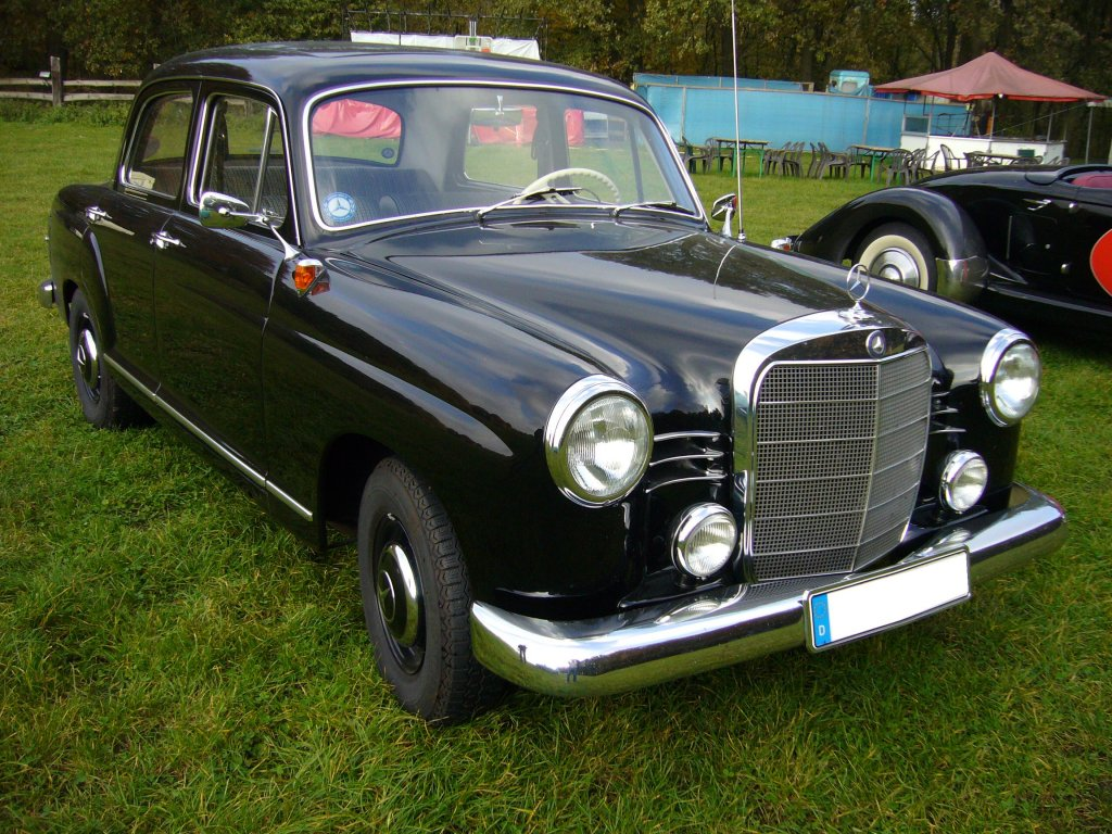 Mercedes-benz 180b photo - 1