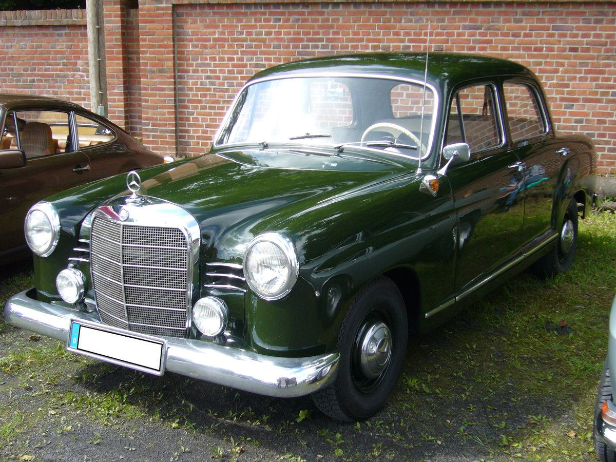 Mercedes-benz 180b photo - 5