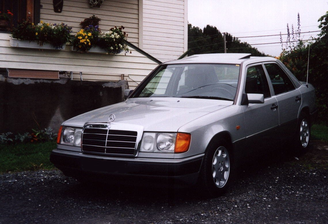 Mercedes-benz 200e photo - 3
