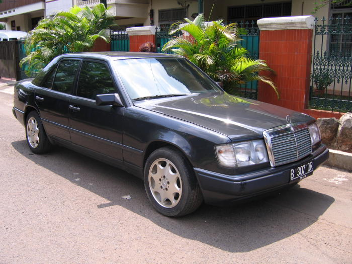 Mercedes-benz 200e photo - 5