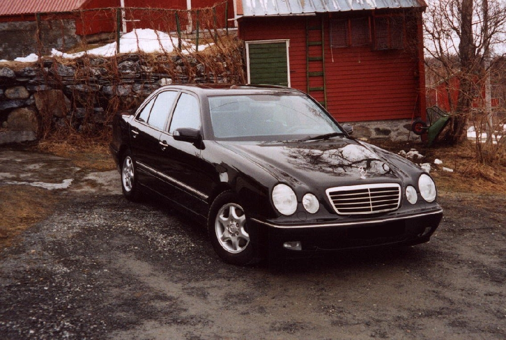 Mercedes-benz 200e photo - 8