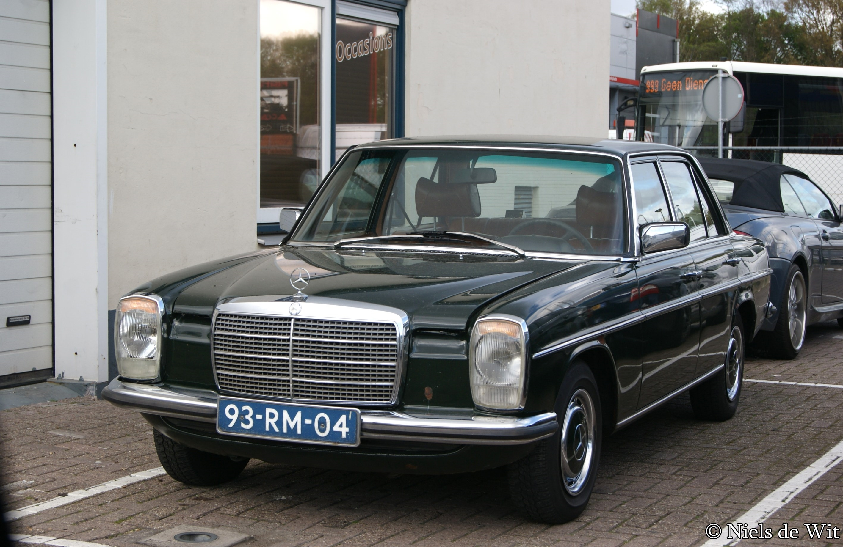Mercedes-benz 230-6 photo - 1
