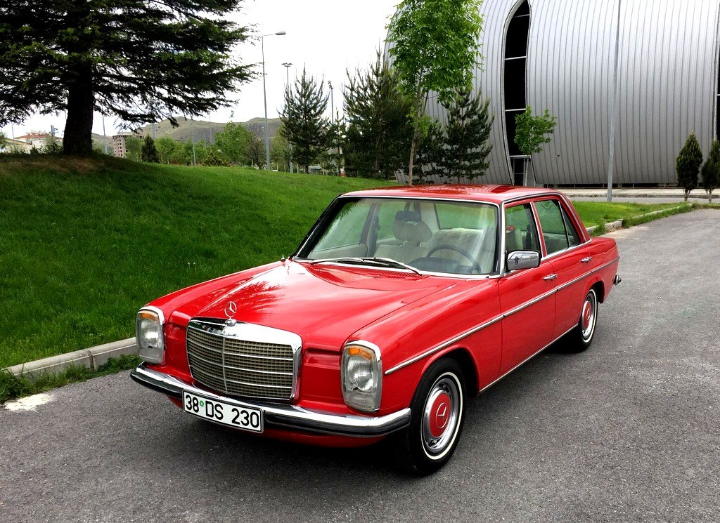 Mercedes-benz 230-6 photo - 10