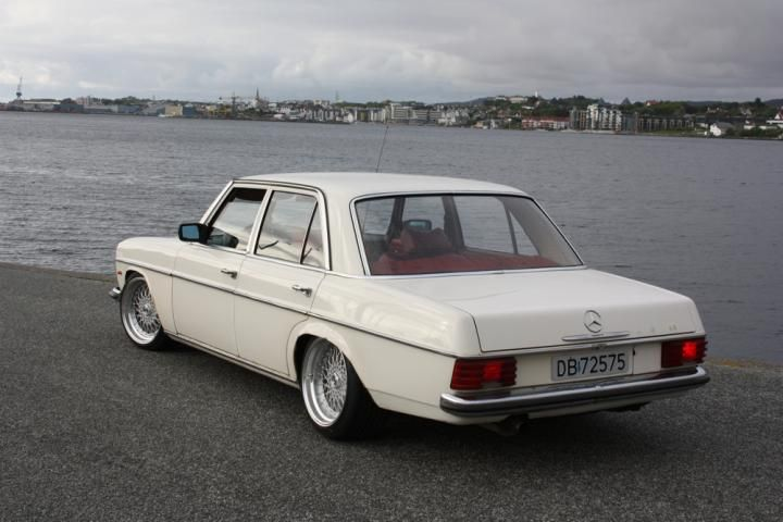 Mercedes-benz 230-6 photo - 2
