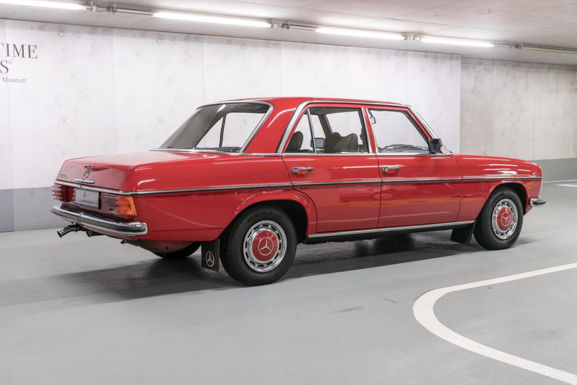 Mercedes-benz 230-6 photo - 5