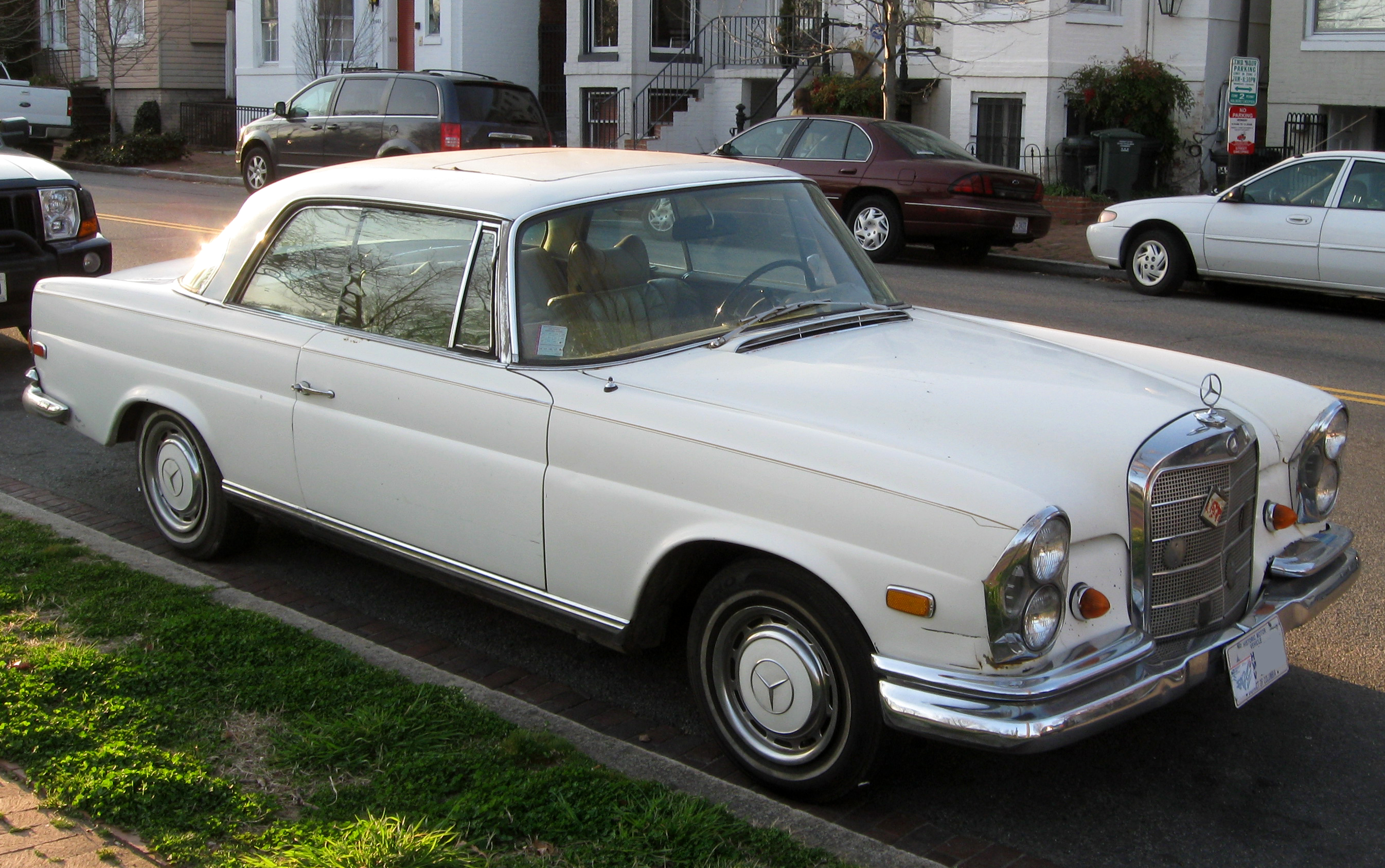 Mercedes-benz 280s photo - 9
