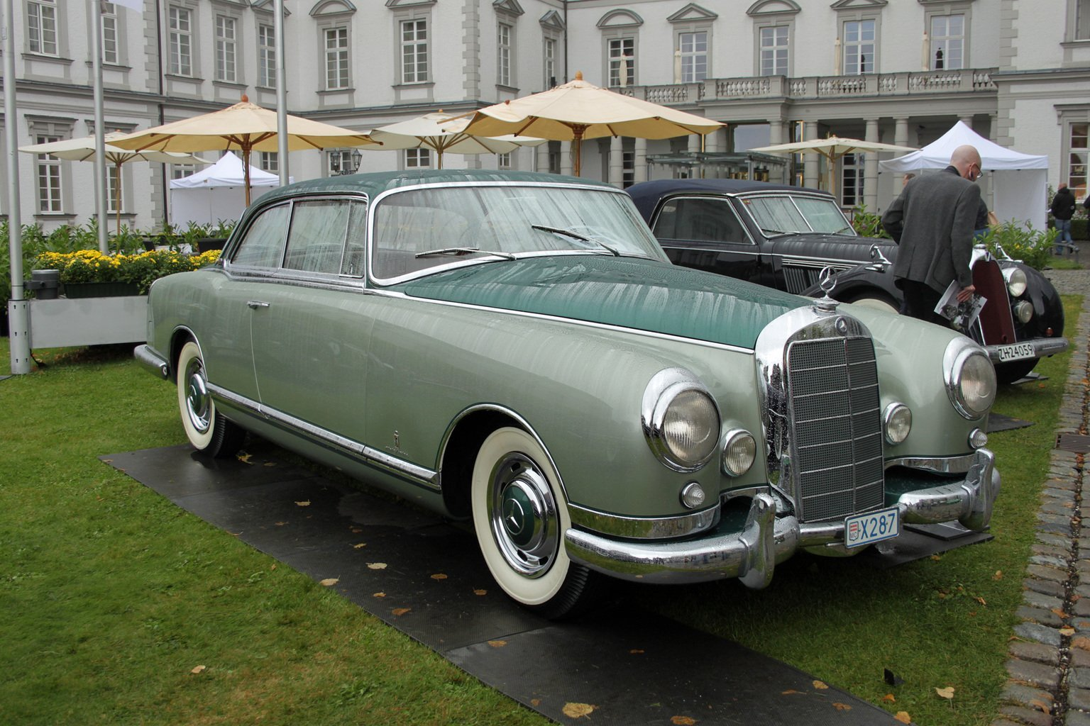 Mercedes-benz 300b photo - 1