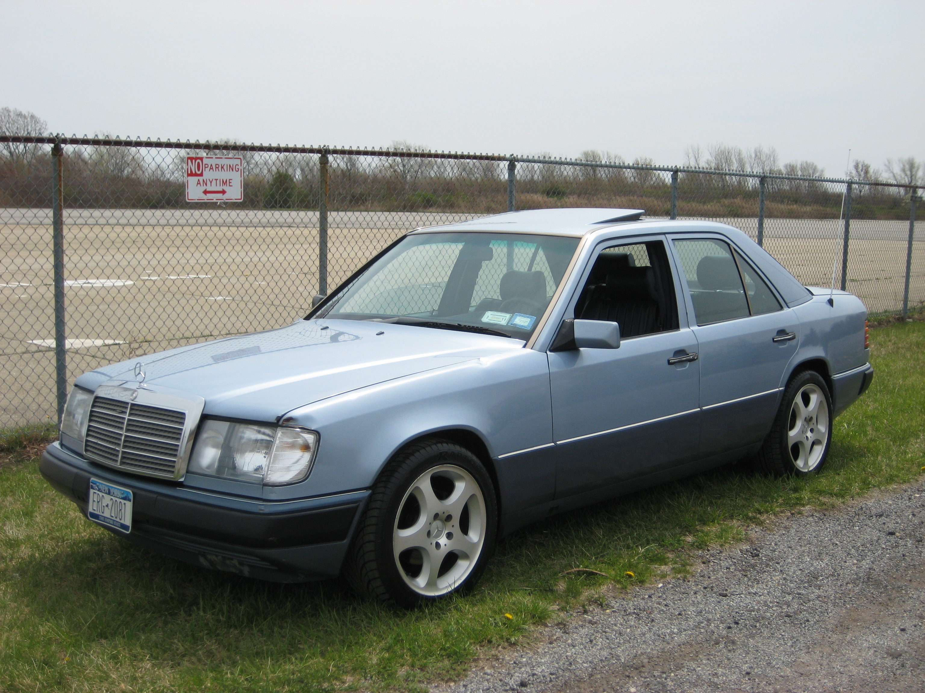 Mercedes-benz 300e Photo and Video Review  Comments
