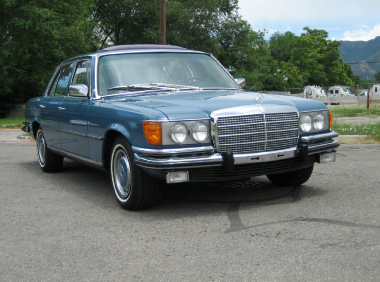 Mercedes-benz 450se photo - 5