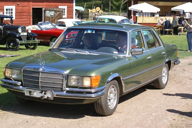 Mercedes-benz 450se photo - 6