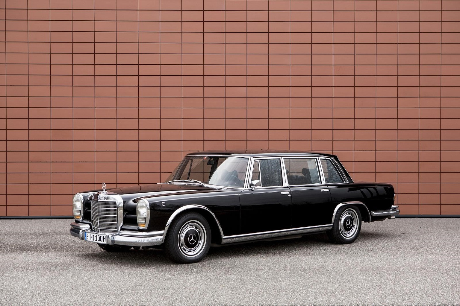 Mercedes-benz 600 photo - 3