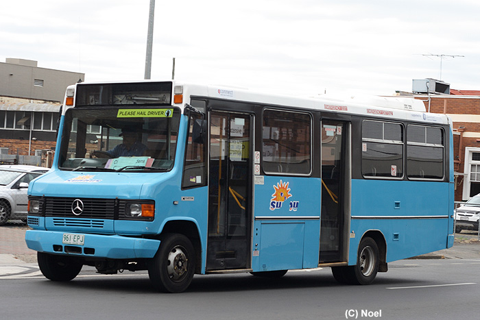 Mercedes-benz 815d photo - 9