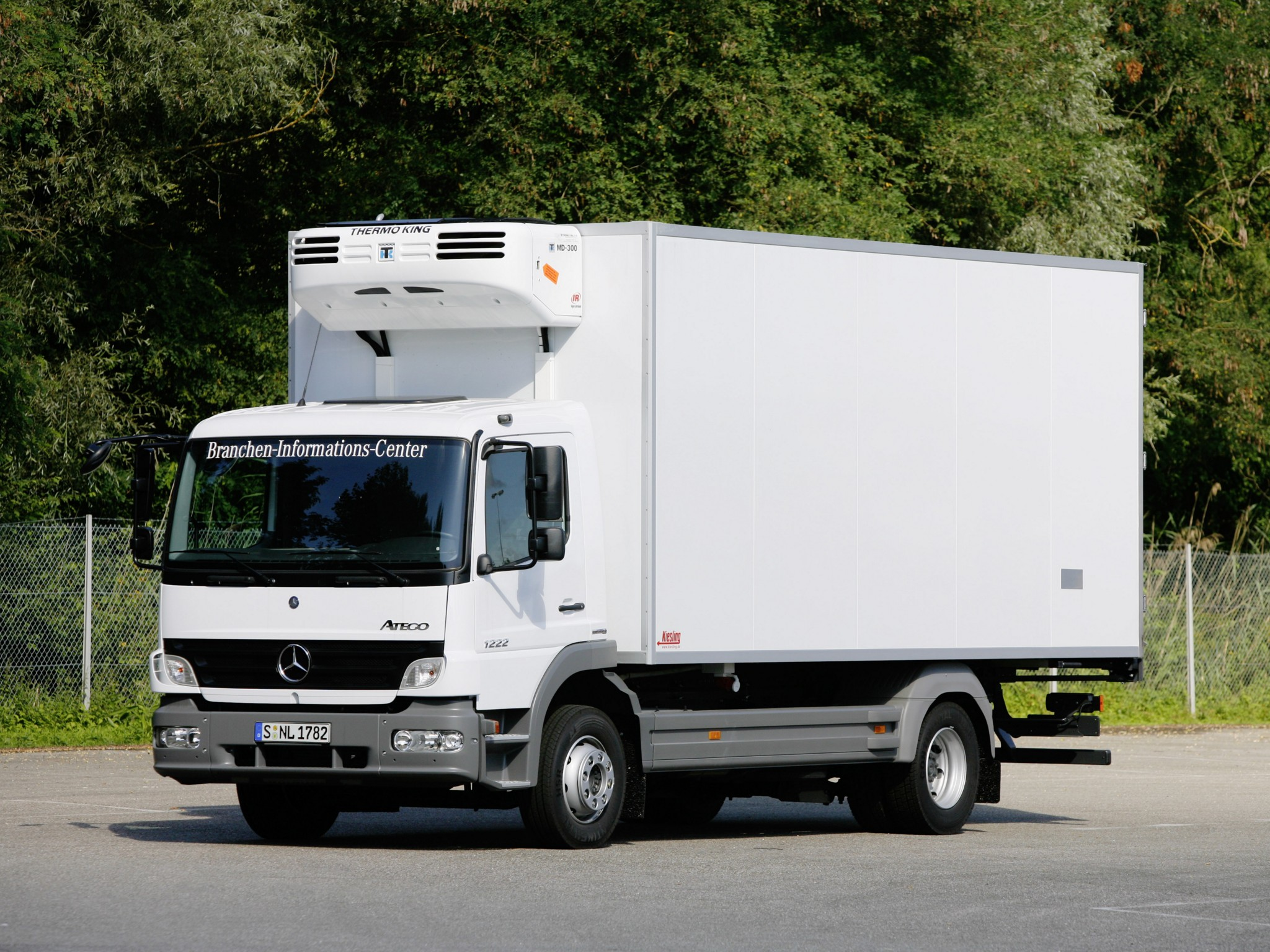 Mercedes-benz atego photo - 6