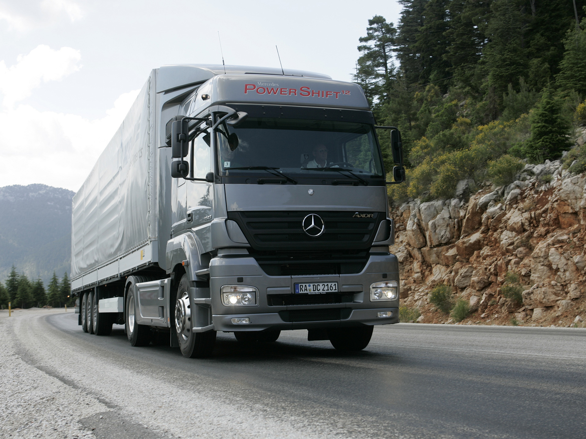 Mercedes-benz axor photo - 6