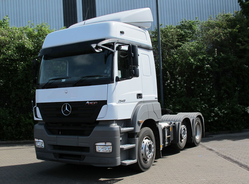 Mercedes-benz axor photo - 9