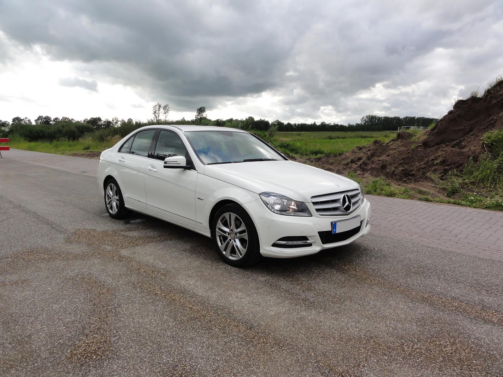 Mercedes-benz c180 photo - 5