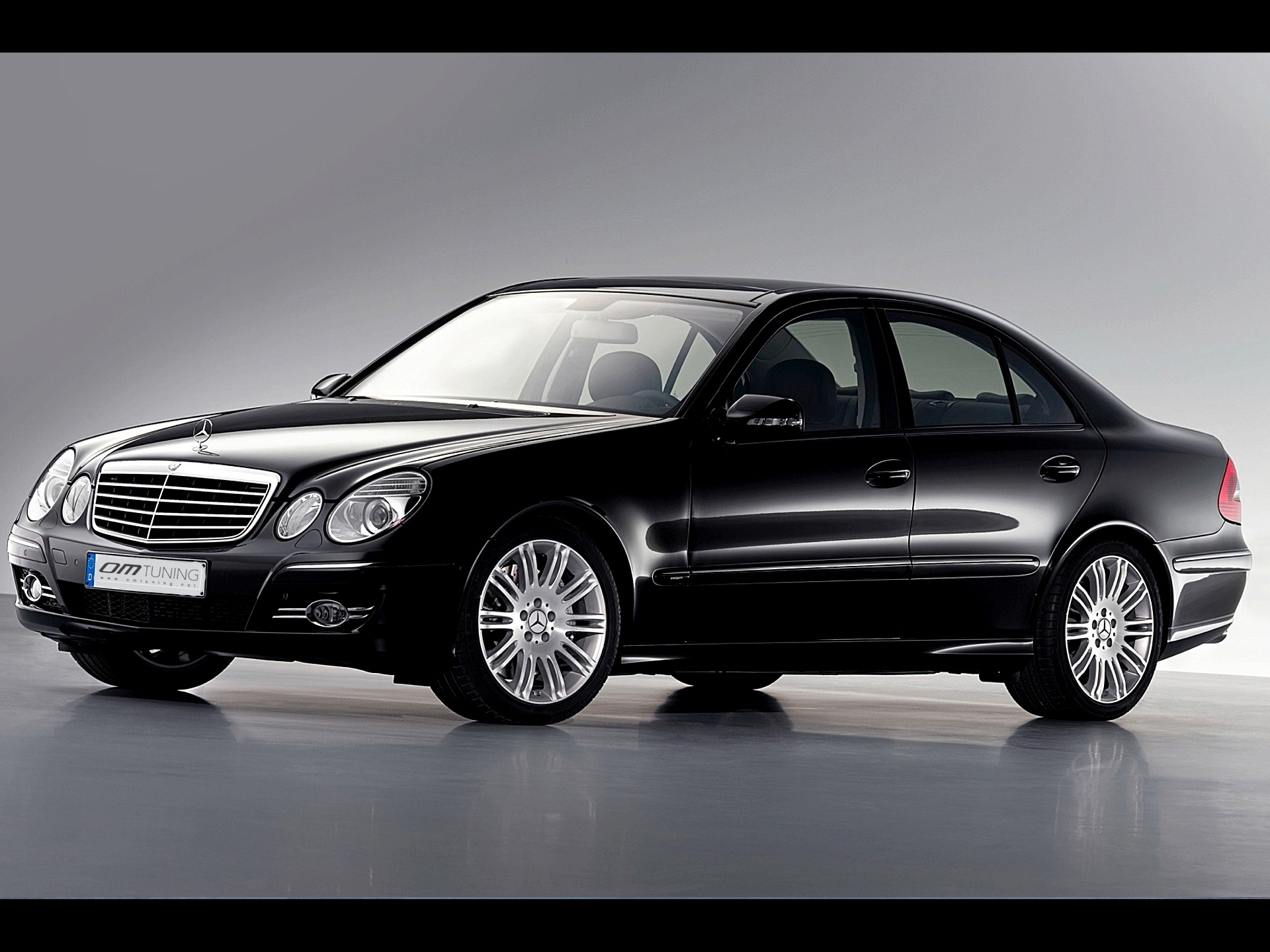 Mercedes-benz e220 photo - 4