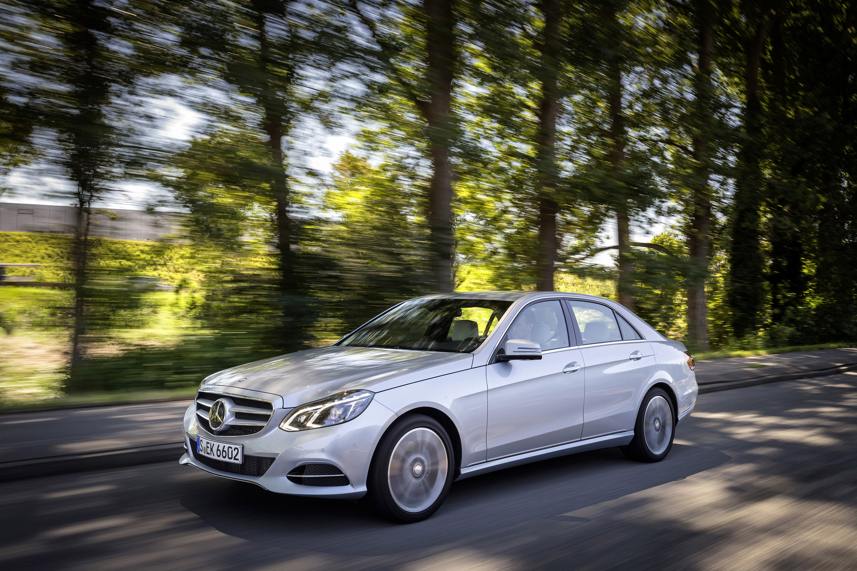 Mercedes-benz e220 photo - 6