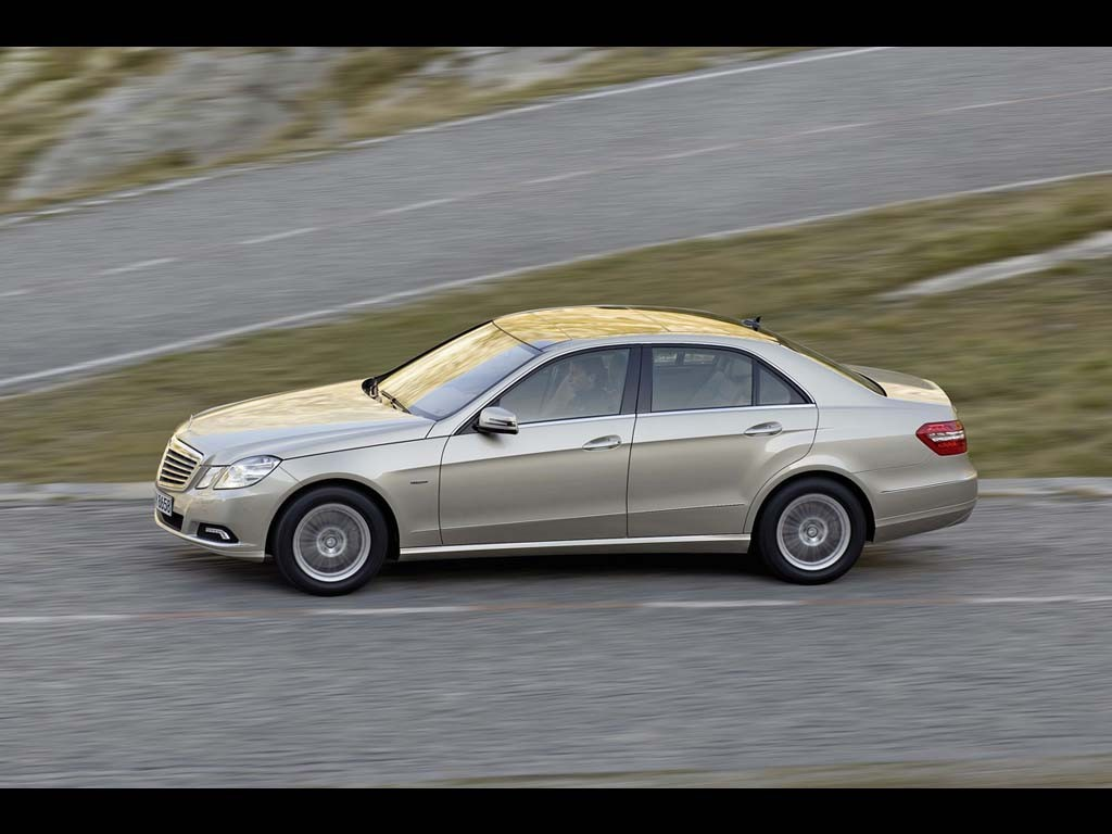 Mercedes-benz e220 photo - 8
