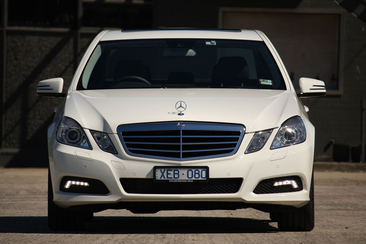 Mercedes-benz e220 photo - 9